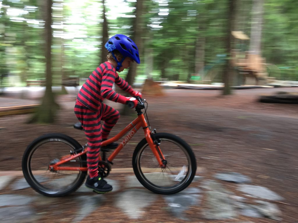pello reddi mountain biking