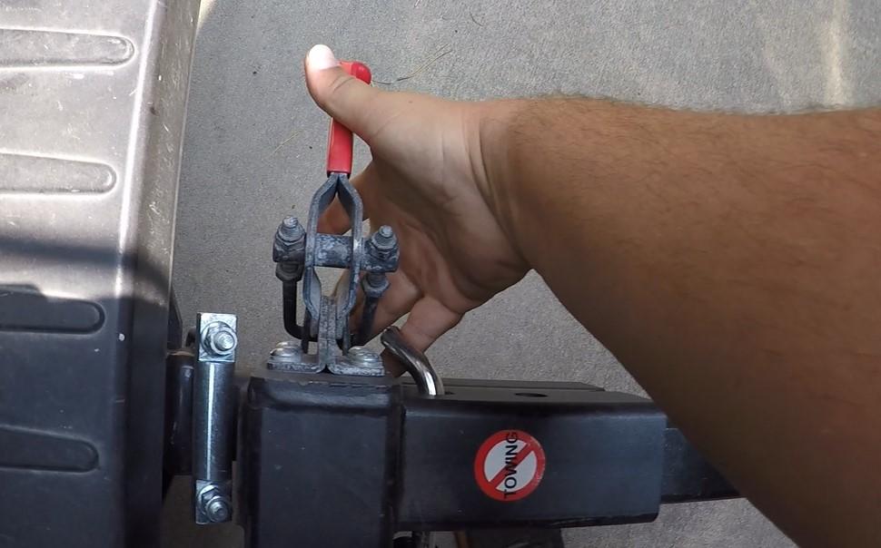 Rak Attach Clamp