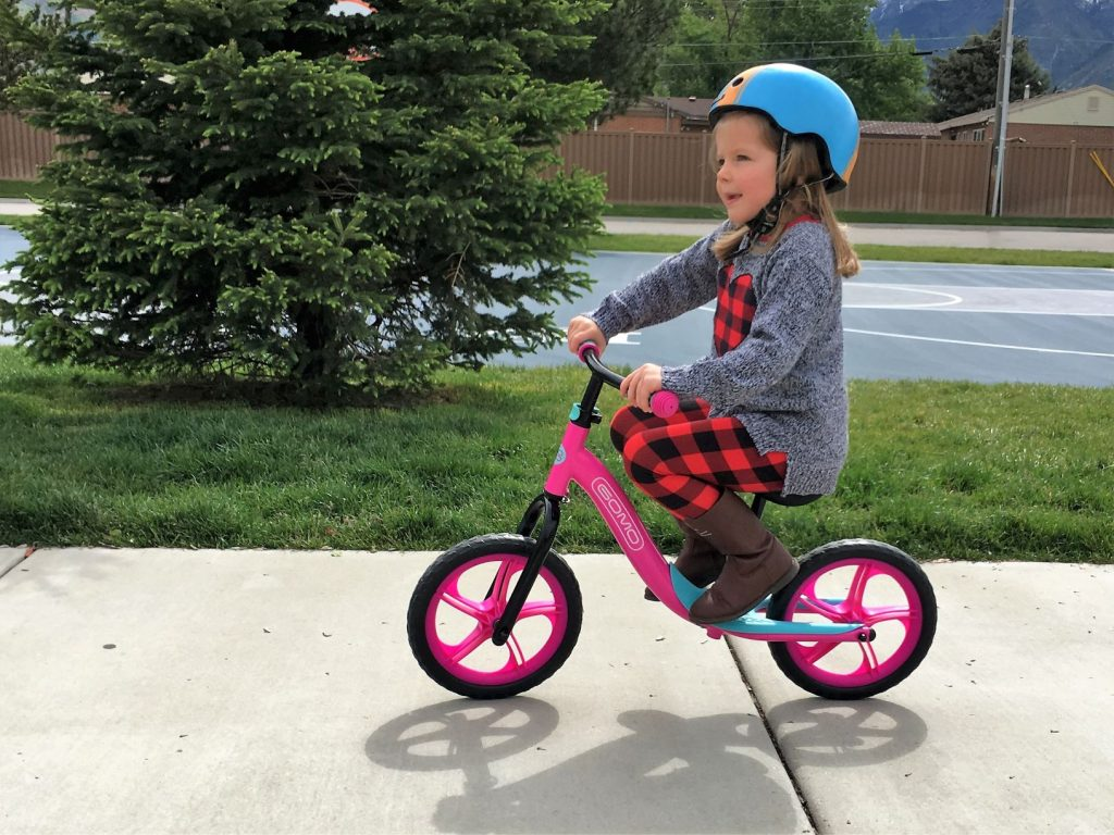 gomo balance bike in action