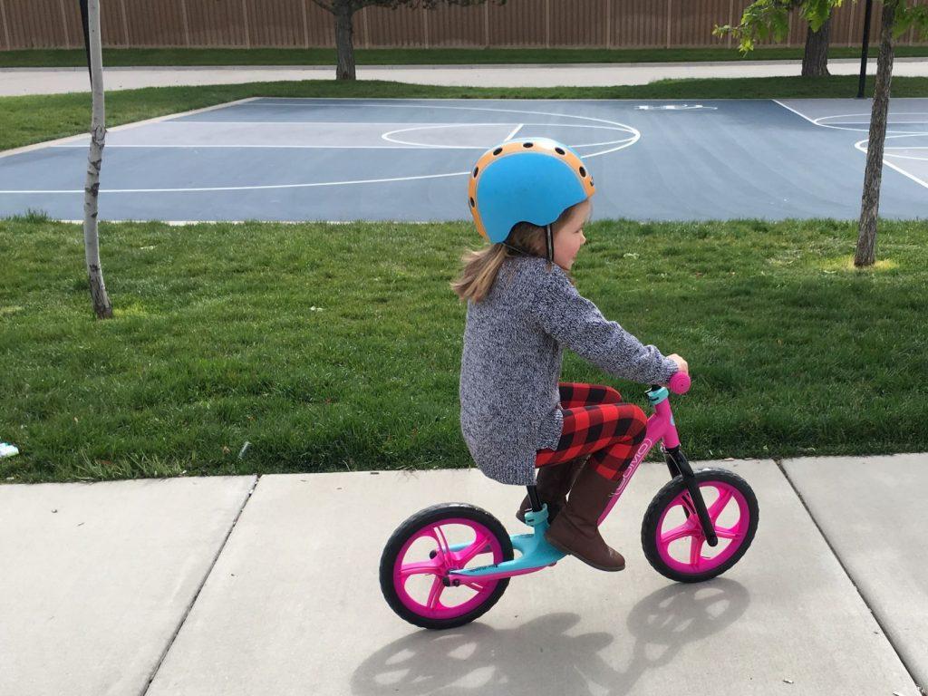 gomo balance bike upright geometry