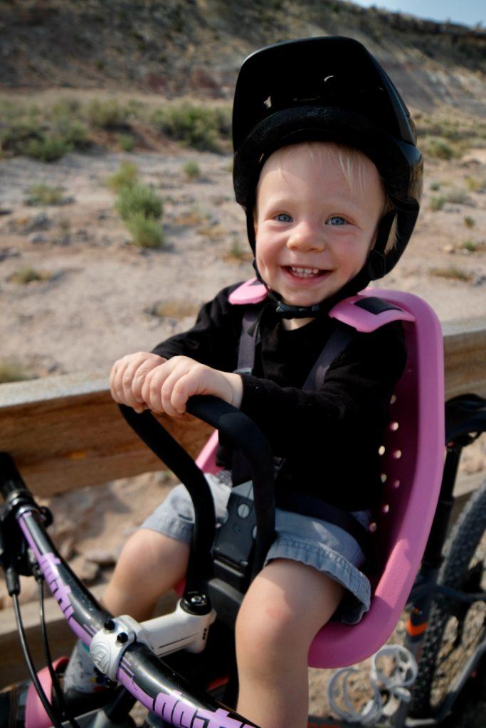happy child in thule yepp mini