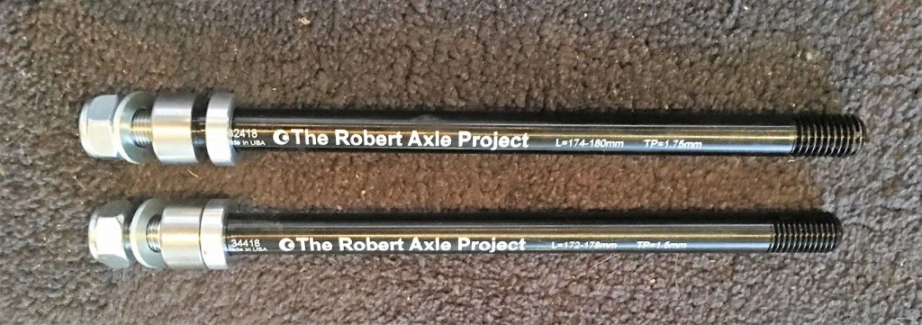 robert axle two different threads