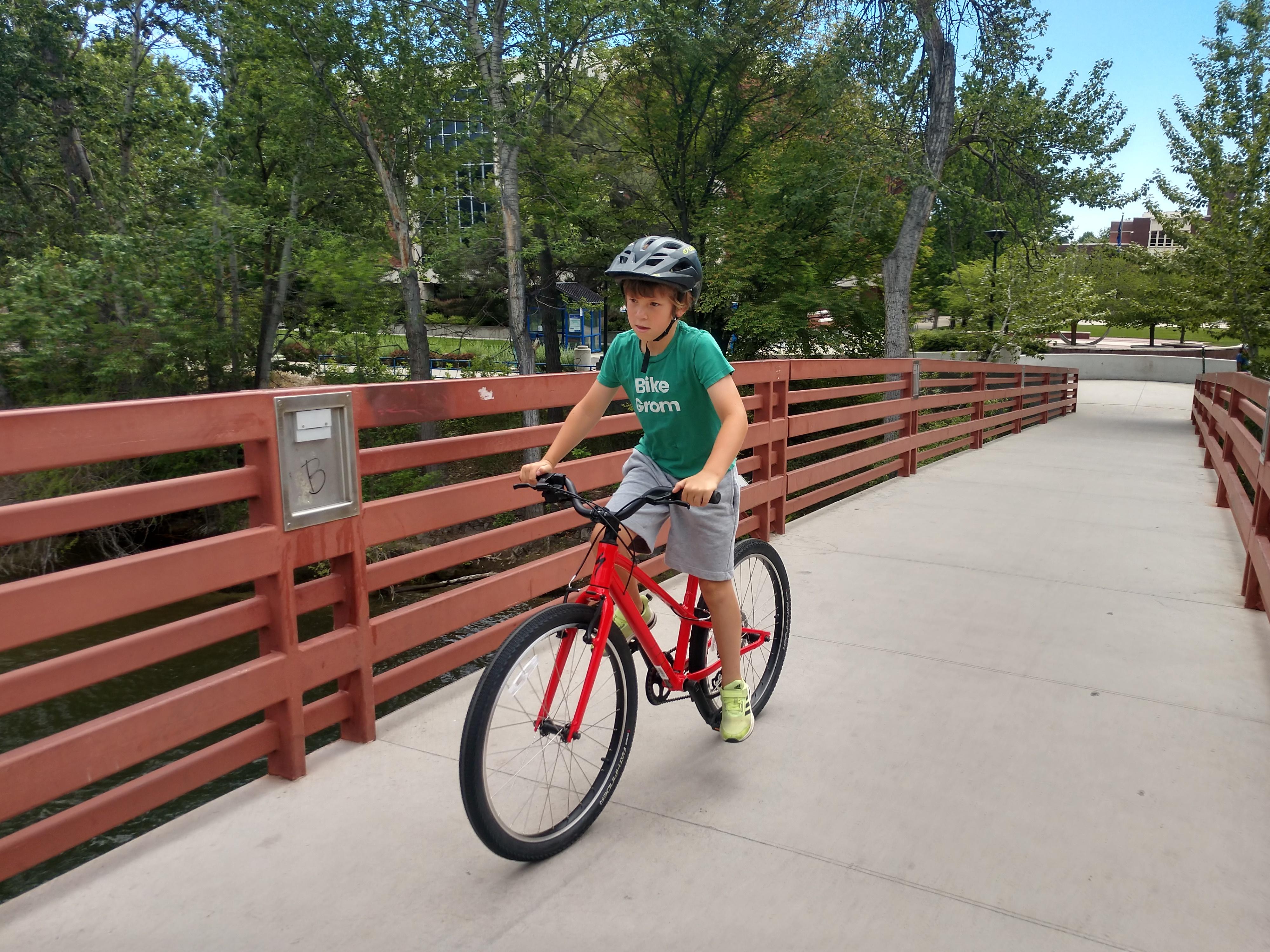 specialized jett kids bike in action