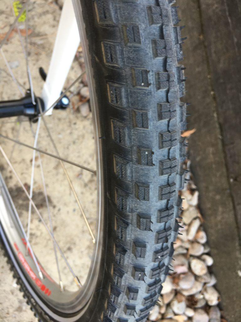 woom 5 tires